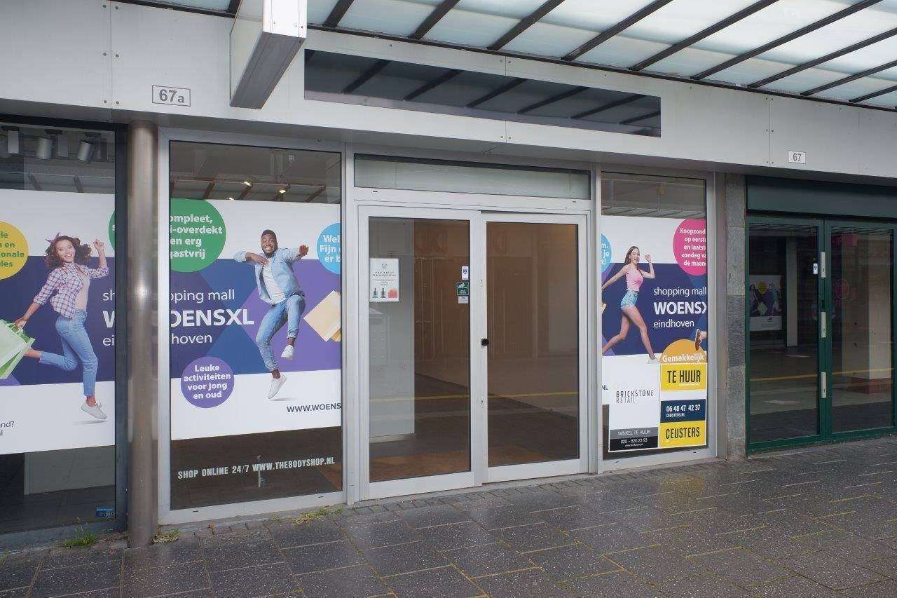 Bekijk foto 1 van Winkelcentrum Woensel 67 A