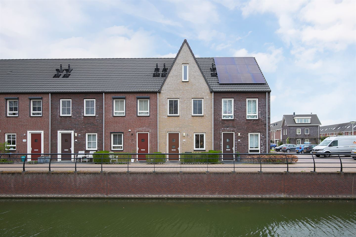 View photo 1 of Steur 216
