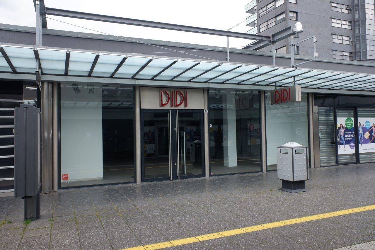 Bekijk foto 1 van Winkelcentrum Woensel 87 A