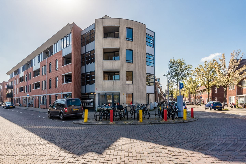 Bekijk foto 2 van Busken Huetstraat 72