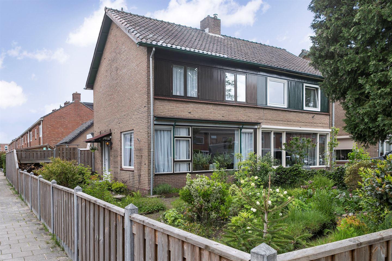 View photo 1 of Johannes Vermeerlaan 21