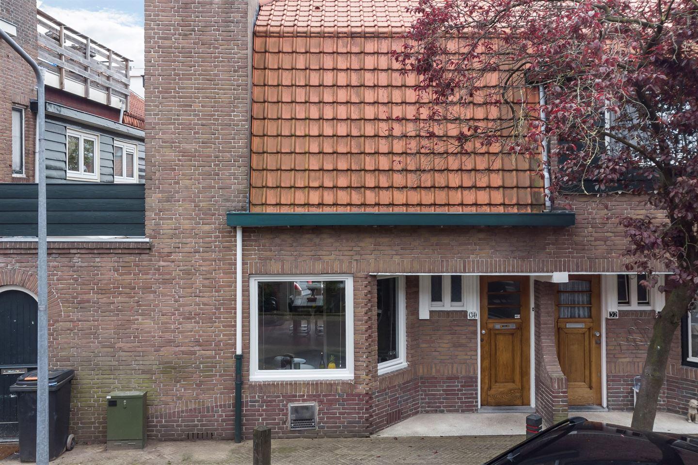 Bekijk foto 2 van Professor Poelsstraat 34