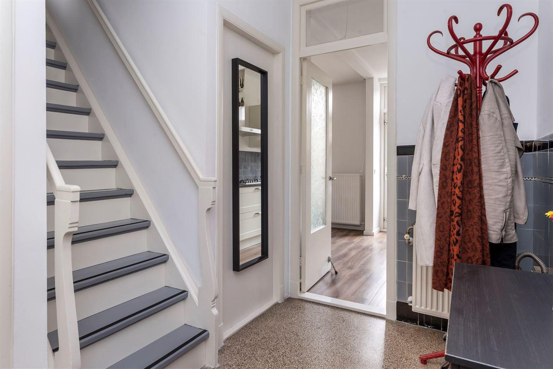 Bekijk foto 5 van Professor Poelsstraat 34