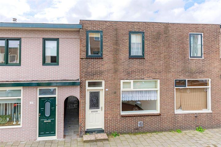 De Ruyterstraat 63