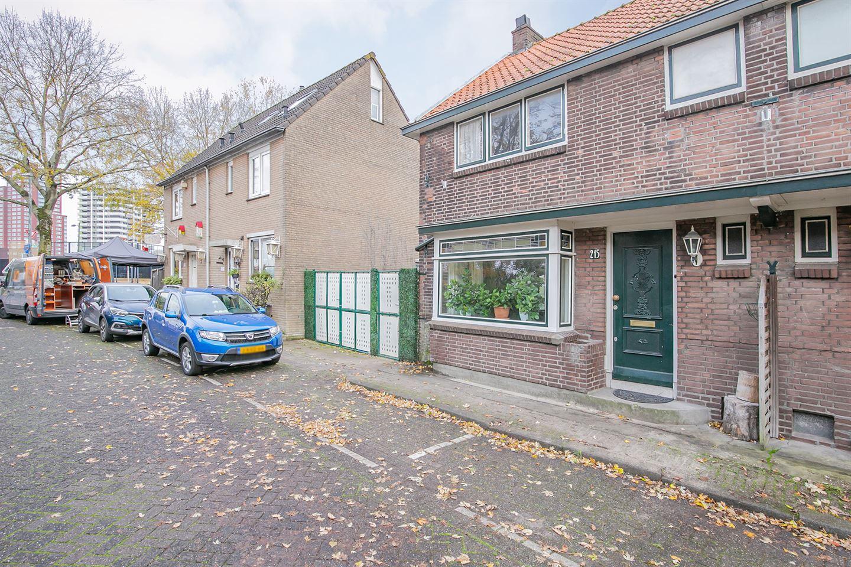 View photo 2 of Zuider Kerkedijk 215