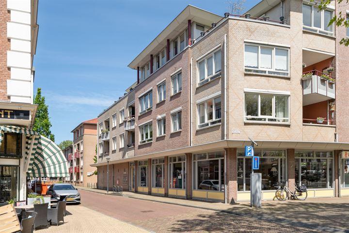 Warmoesstraat 10 +PP