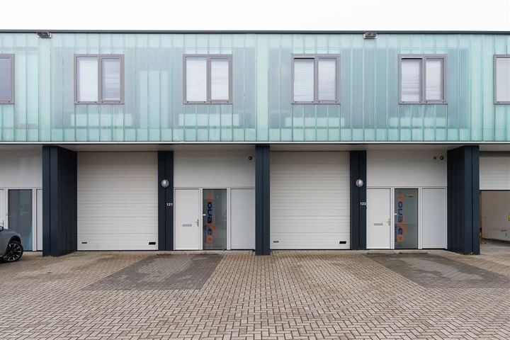 Pesetaweg 121 -123, Nieuw-Vennep