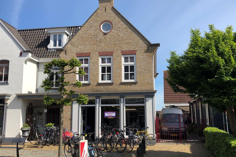 Bekijk foto 2 van Dorpsstraat 11