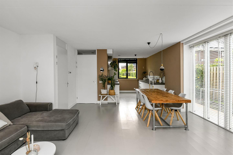View photo 4 of Kamillestraat 18