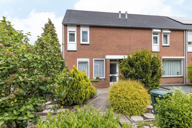 Bekijk foto 1 van Heerlenersteenweg 48