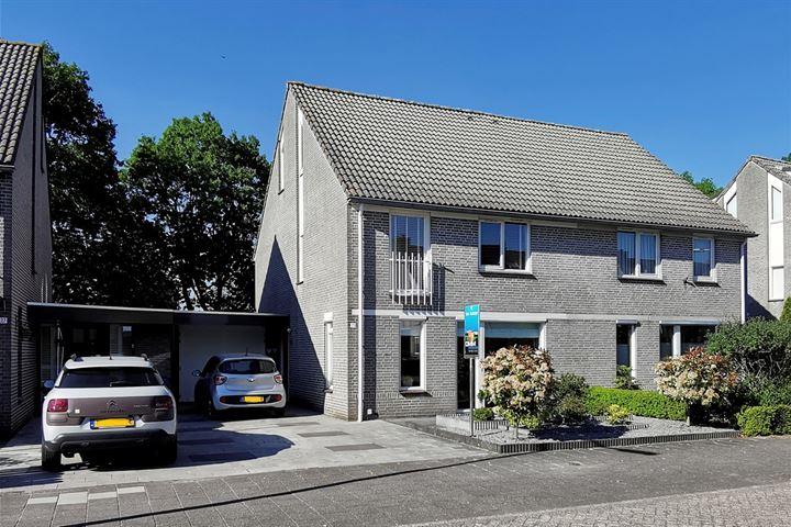 Hooglandstraat 25