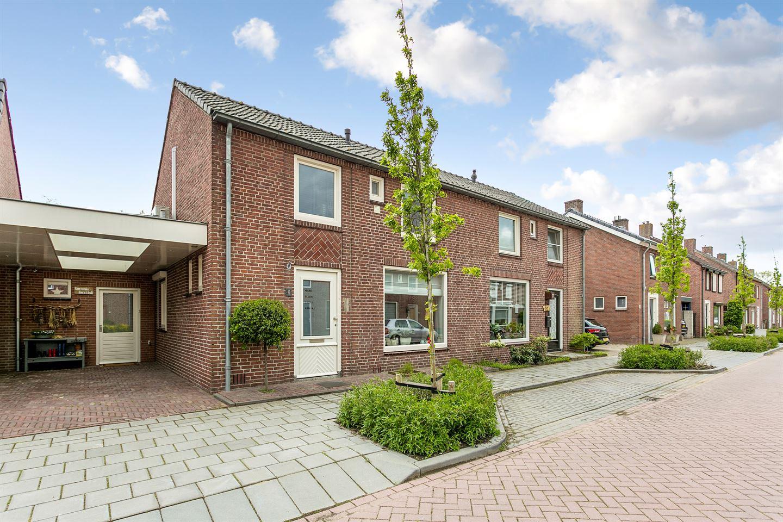 Bekijk foto 1 van Huijgensstraat 9