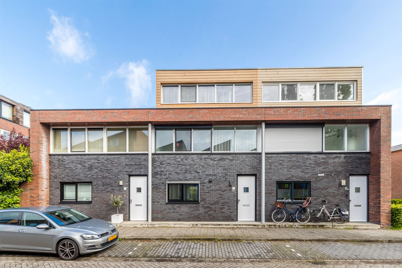 Bekijk foto 1 van Hendrik van Lunterenstraat 3
