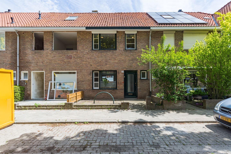 Bekijk foto 1 van Moerdijkstraat 21