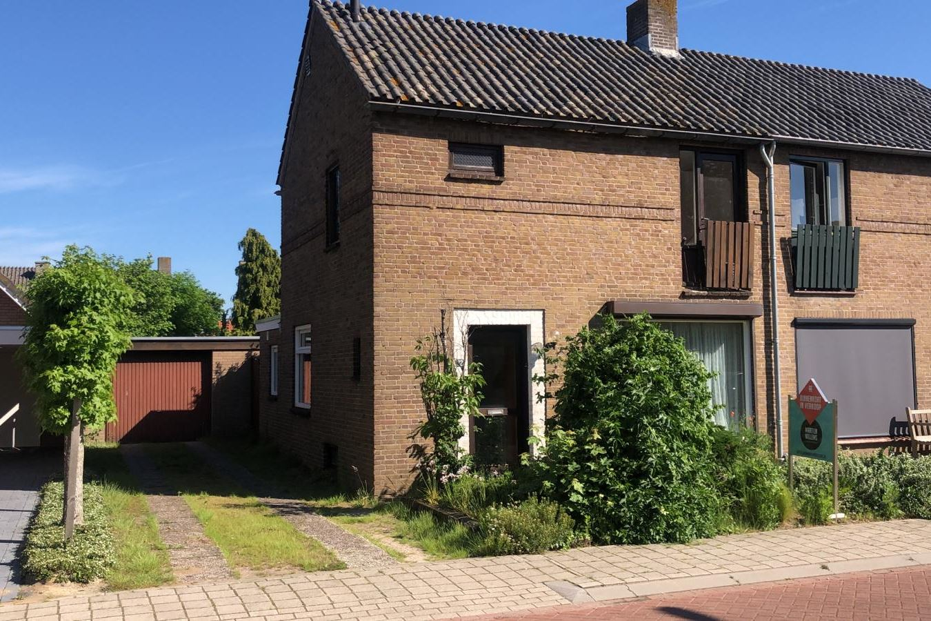 Bekijk foto 1 van Graaf Hermanstraat 32