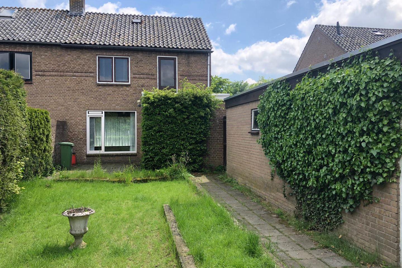 Bekijk foto 3 van Graaf Hermanstraat 32