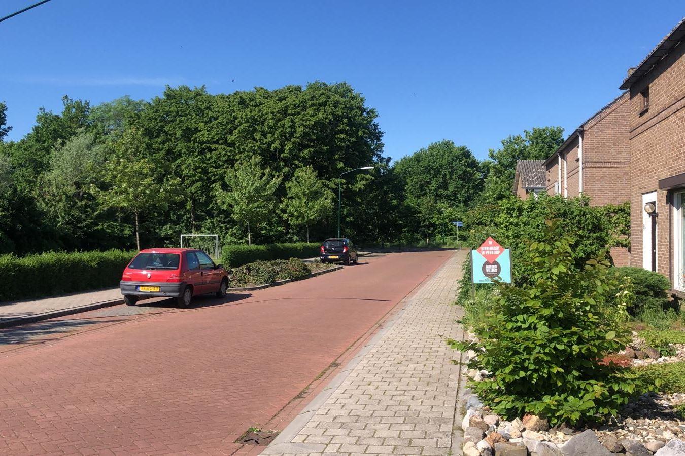 Bekijk foto 2 van Graaf Hermanstraat 32