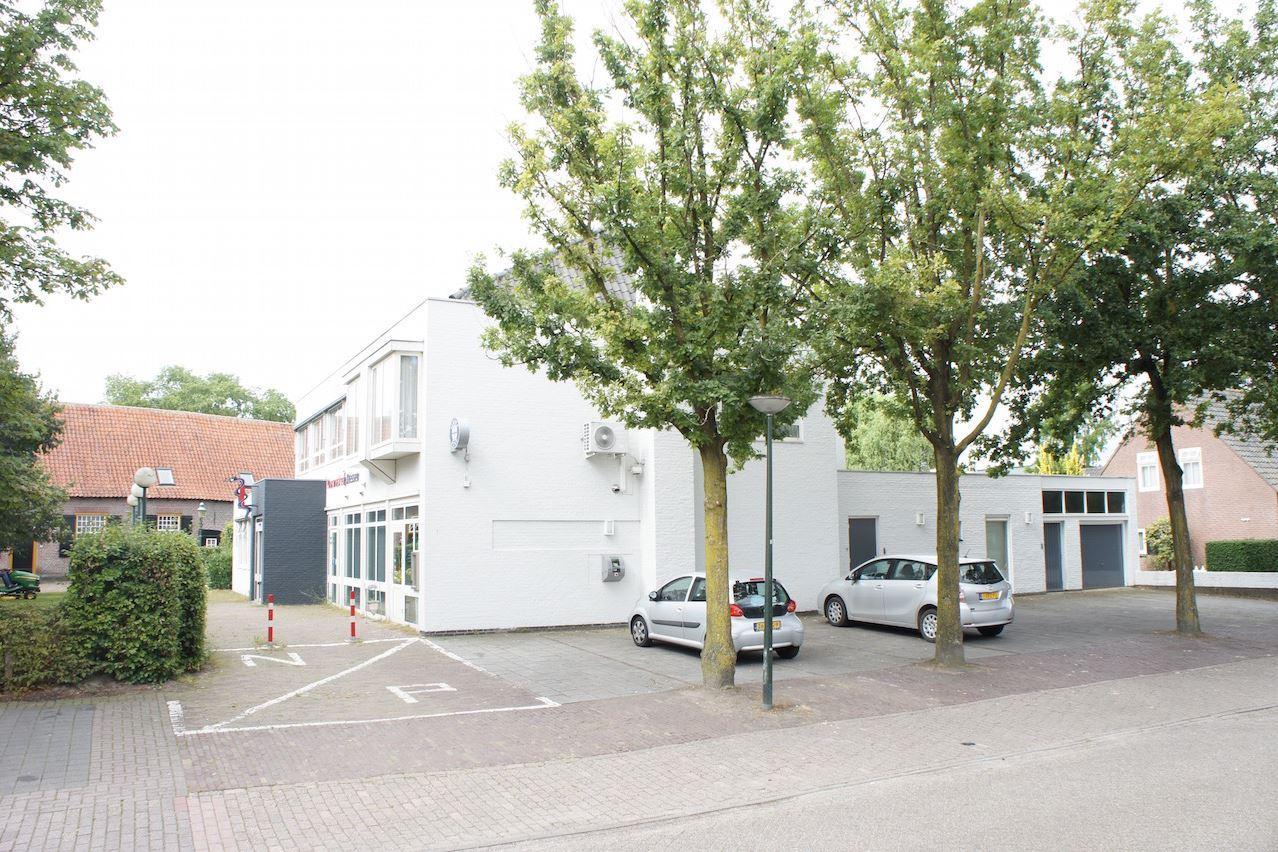 Bekijk foto 1 van Echternachstraat 1