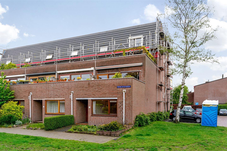 Bekijk foto 1 van Michiel de Ruyterplein 17
