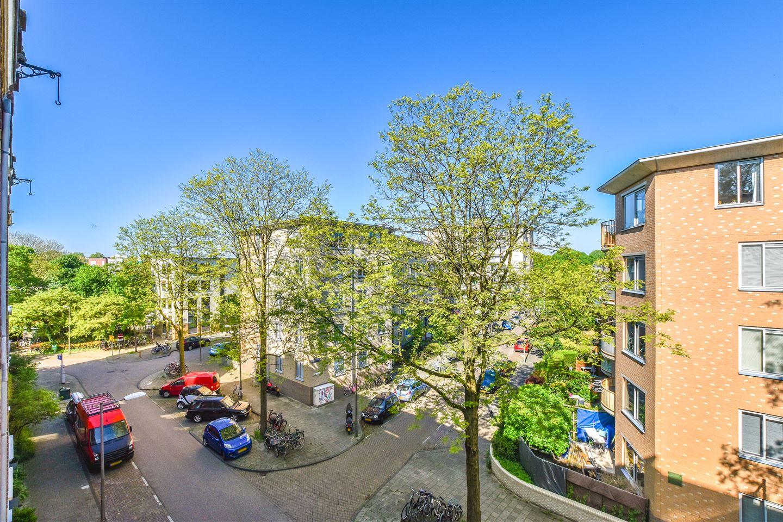 Bekijk foto 2 van Van Reigersbergenstraat 81 3