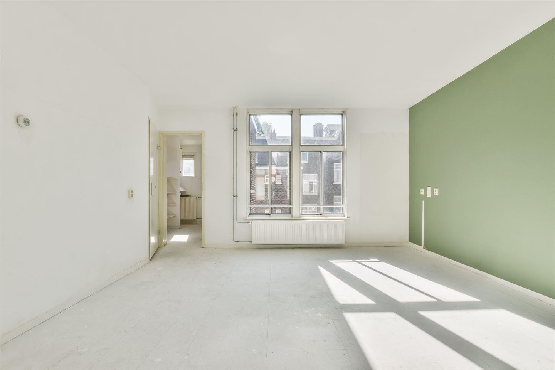 Bekijk foto 4 van Van Reigersbergenstraat 81 3