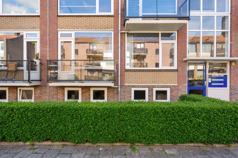 Bekijk foto 2 van Mr. Heemskerkstraat 37