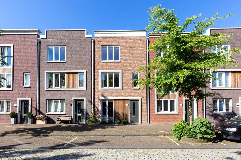 Bekijk foto 1 van Jan Vrijmanstraat 120