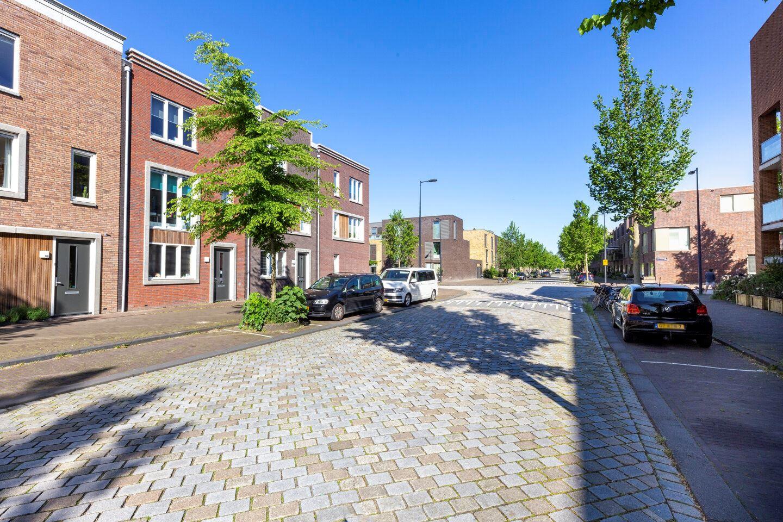 Bekijk foto 2 van Jan Vrijmanstraat 120