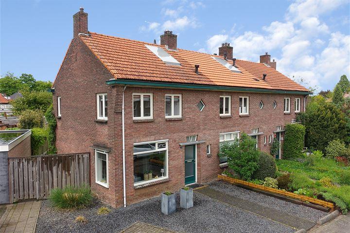 Cornelis Evertsenstraat 1
