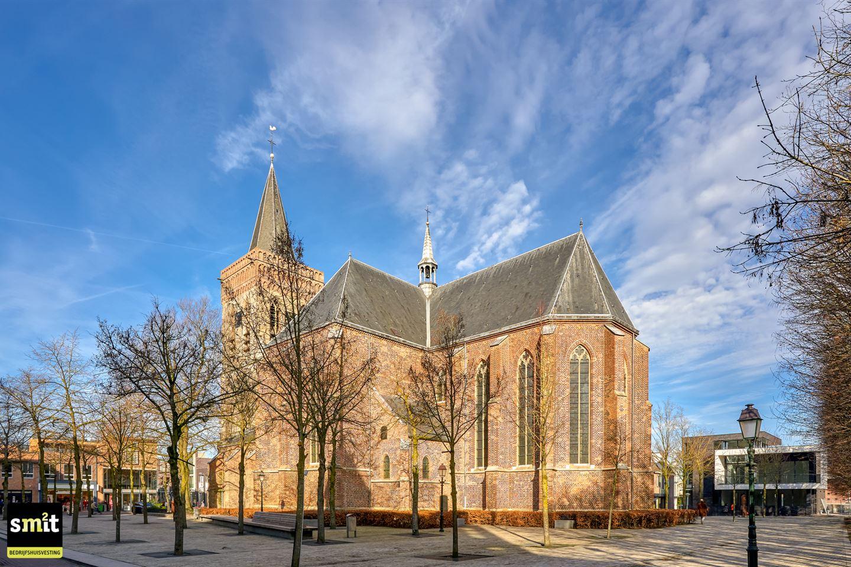 Bekijk foto 2 van Oude Kerkplein 67