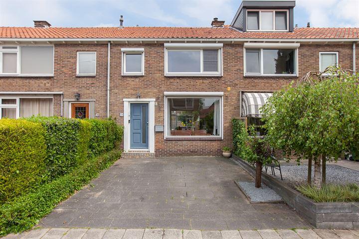 Domela Nieuwenhuisstraat 18