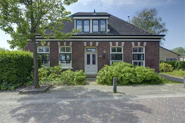 Dorpsstraat 829