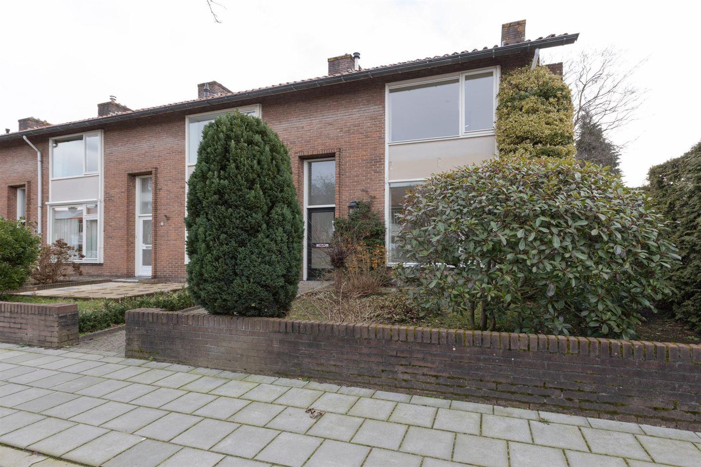 Bekijk foto 2 van Van Dijkstraat 2
