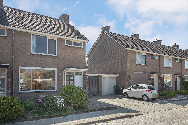 Bekijk foto 1 van de Ruyterstraat 41