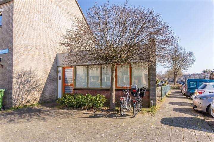 Fugaplantsoen 4, Almere