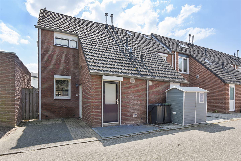 Bekijk foto 1 van Nijssenstraat 11