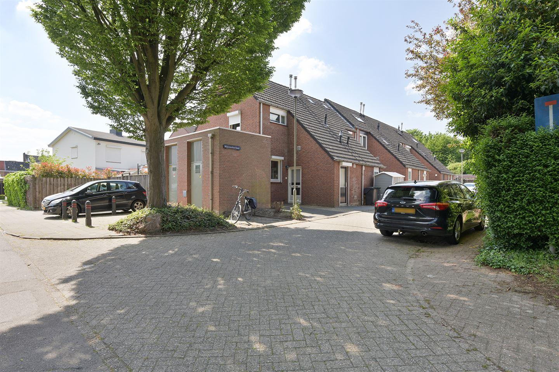 Bekijk foto 3 van Nijssenstraat 11