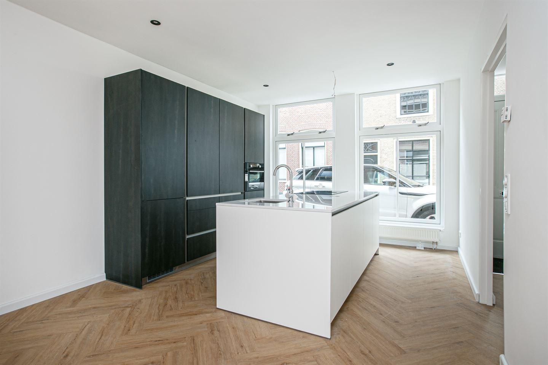 Bekijk foto 2 van Leeuweringerstraat 64