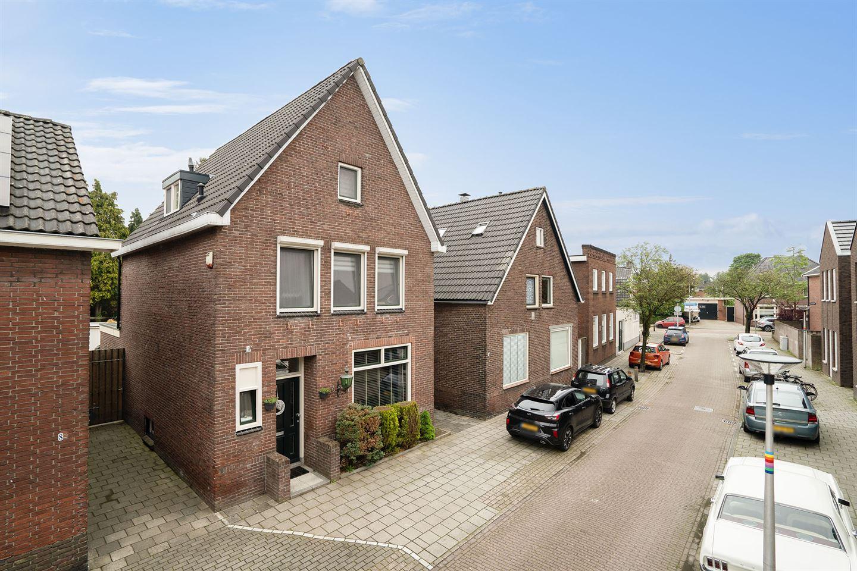 Bekijk foto 3 van Herman van Hoevellstraat 6