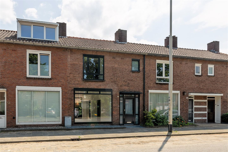 Bekijk foto 2 van Christiaan Huygensstraat 12