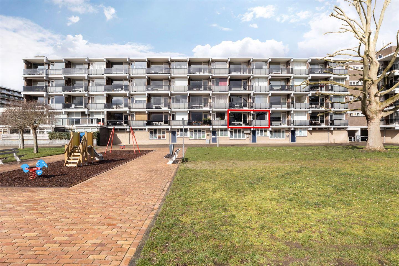 Bekijk foto 1 van Loplein 8