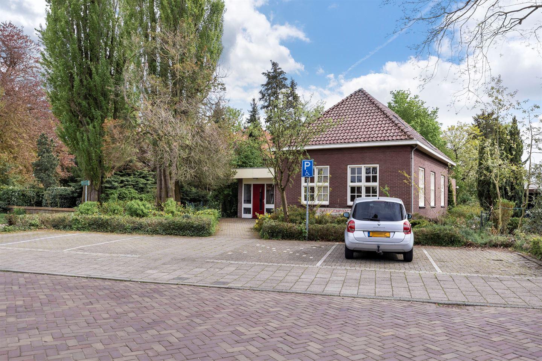 Bekijk foto 2 van Burg Haverkampstraat 7