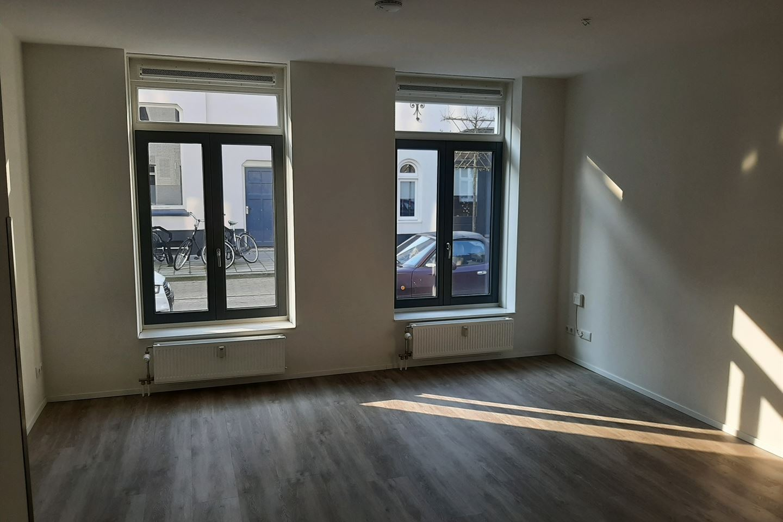 Bekijk foto 2 van Driekoningendwarsstraat 75