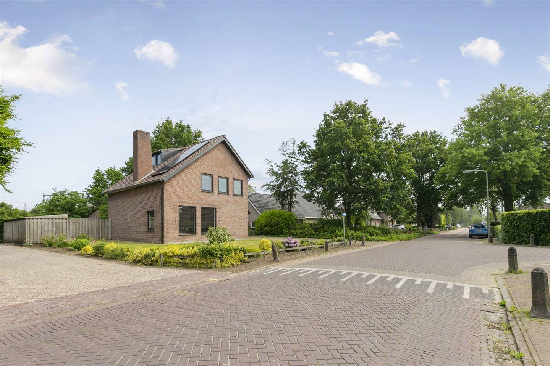 Bekijk foto 2 van Bredeweg 4