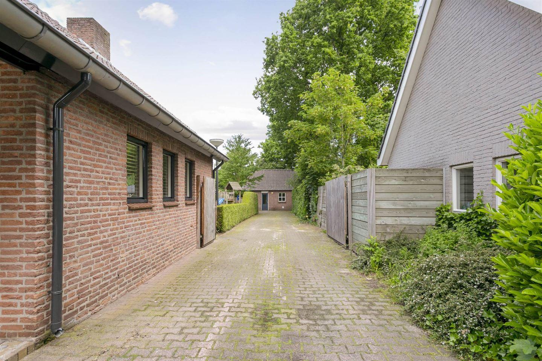 Bekijk foto 4 van Bredeweg 4