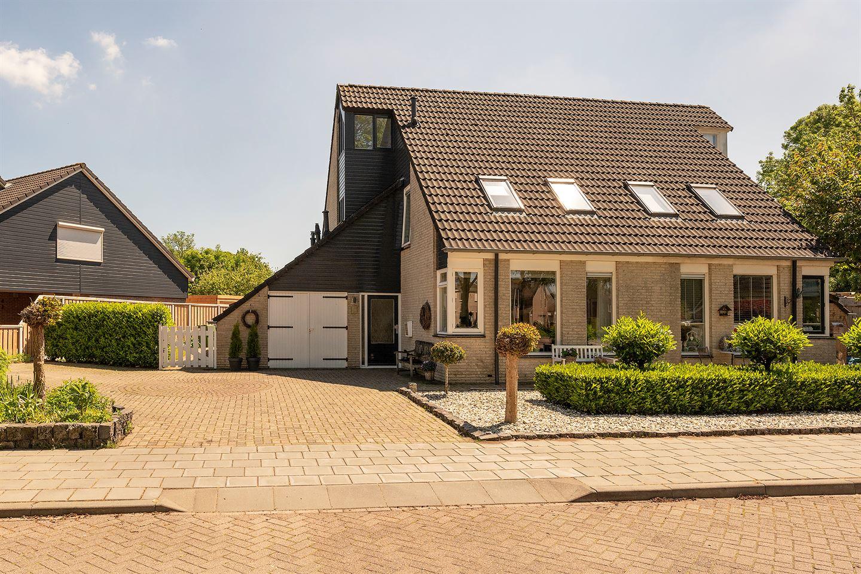 View photo 2 of Binnenveen 11