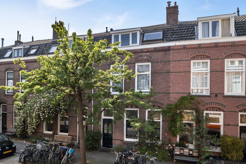 Bekijk foto 1 van Abraham Bloemaertstraat 16