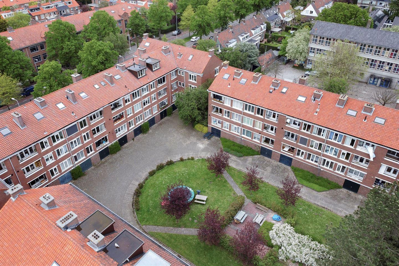 Bekijk foto 2 van Oppenheimstraat 9