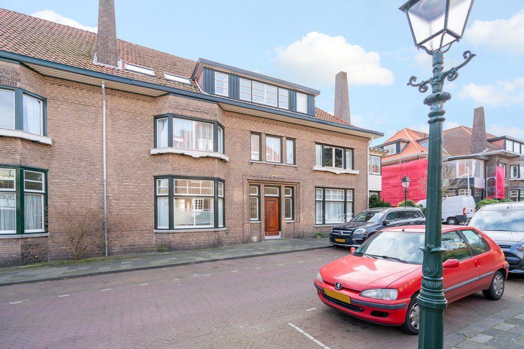 Bekijk foto 2 van Van Dorpstraat 8