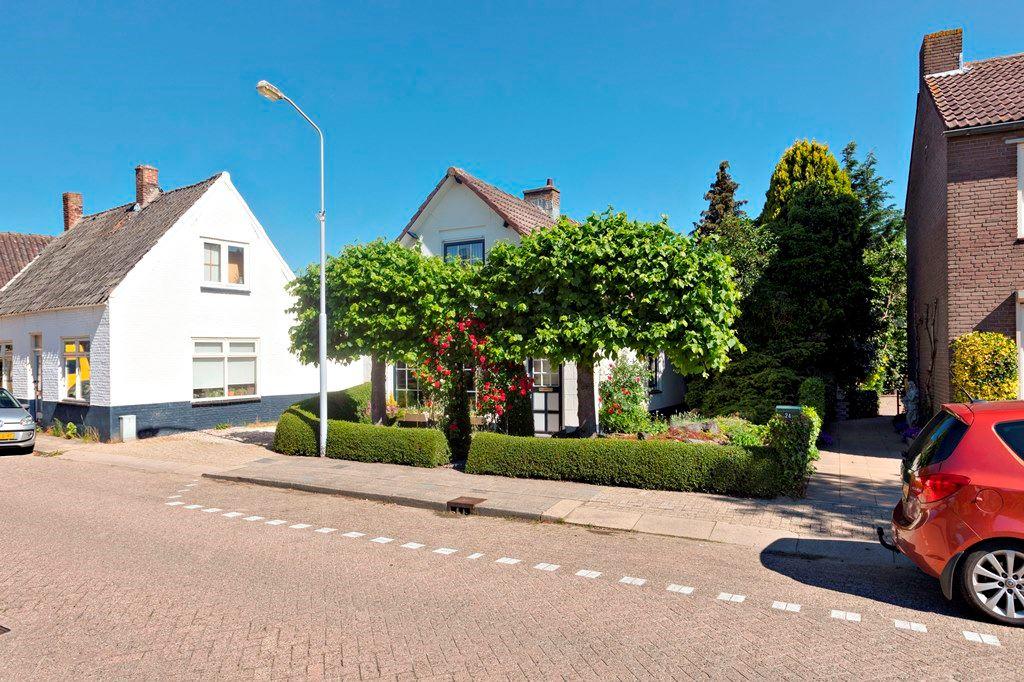 Bekijk foto 2 van Voorstraat 26